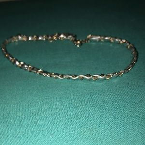 Chain like choker necklace